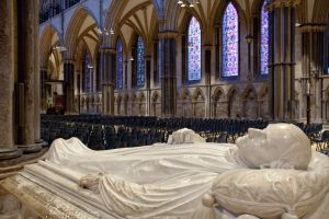 lincoln cathedral memorial sm.jpg