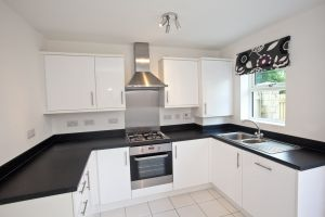 plot 1 woodlands holmfirth 9 sm.jpg