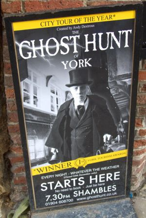 york signs ghost hunt sm.jpg