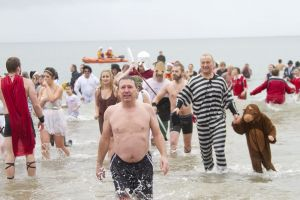 day new years swim 16 sm.jpg