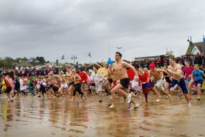 new years day swim 2 sm.jpg