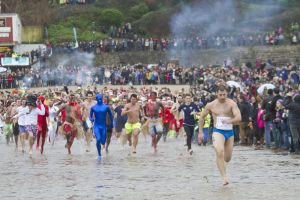 tenby boxing day swim 1 sm.jpg