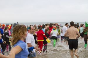 tenby boxing day swim 14 sm.jpg