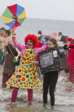 tenby boxing day swim 16 sm.jpg
