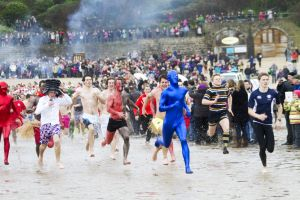 tenby boxing day swim 2 sm.jpg