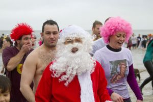 tenby boxing day swim 20 sm.jpg