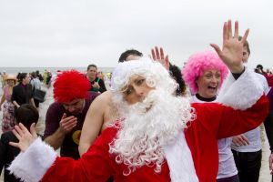 tenby boxing day swim 21 sm.jpg