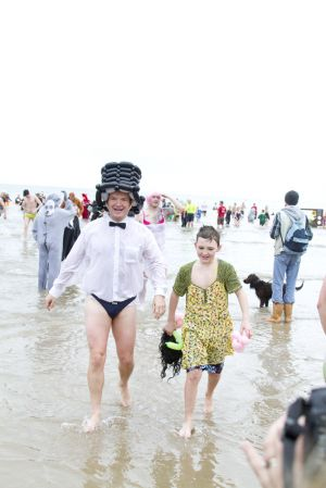 tenby boxing day swim 24 sm.jpg