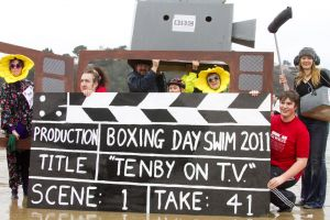 tenby boxing day swim 28 sm.jpg