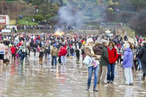 tenby boxing day swim 33 sm.jpg