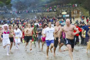 tenby boxing day swim 4 sm.jpg