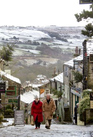 haworth first snow december 2011 sm.jpg