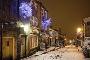 haworth first snow november 27 2010  233 am image 3 sm.jpg