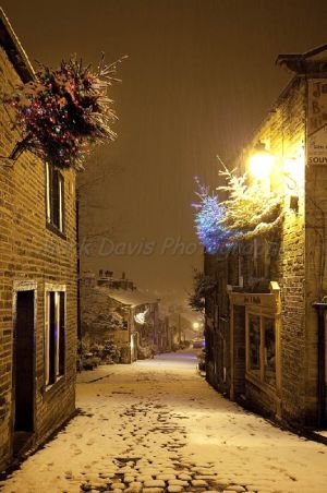 haworth first snow november 27 2010  233 am image 4 sm.jpg