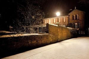 haworth first snow november 27 2010  245 am image 5 sm.jpg