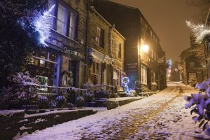 haworth main st looking up christmas 2010 sm.jpg