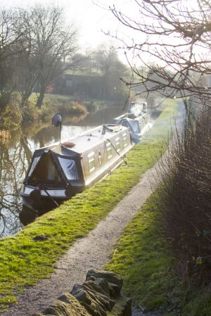 scholar green canal barge 1 sm.jpg