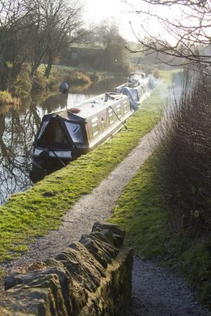 scholar green canal barge 2 sm.jpg