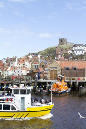 whitby harbour 112 sm.jpg