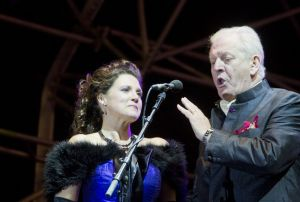 sir thomas allen with sarah fox 2 sm.jpg