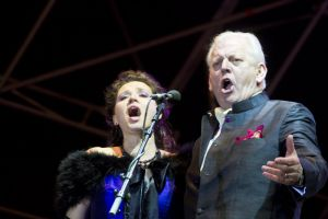 sir thomas allen with sarah fox 3 sm.jpg
