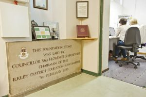 ashlands primary school foundation stone 1 sm.jpg
