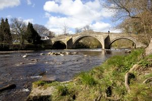 ilkley old bridge 3 sm.jpg