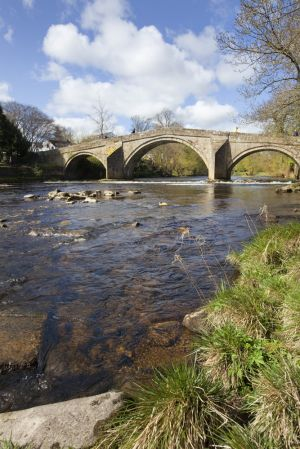 ilkley old bridge portrait sm.jpg