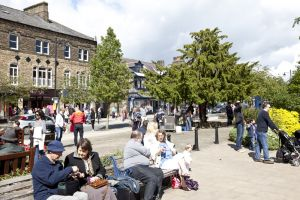 the grove ilkley june 24 2012 crowds 1 sm.jpg