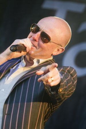 Glenn Gregory heaven 17 1 sm.jpg