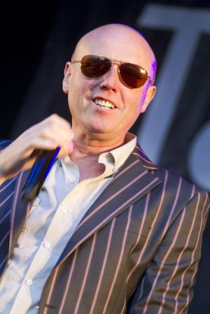 Glenn Gregory heaven 17 sm.jpg