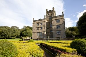 gawthorpe hall burnley sm.jpg