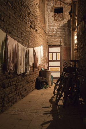 luxor back st alley sm.jpg
