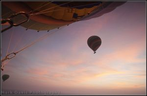 valley of the kings dawn balloon ride 1 sm.jpg