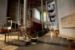 coventry cathedral 14 sm.jpg