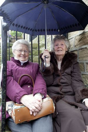 haworth 1940 may 2011 ladies avoiding the rain sm.jpg