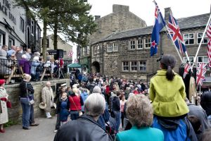 haworth 1940s may 2011 crowd 1 sm.jpg