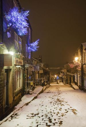 haworth first snow november 27 2010 image 2 sm.jpg