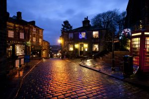 haworth main st xmas day 2012 12 sm - Copy (2).jpg