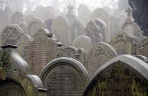 haworth_cemetery_feb_2010_sm.jpg