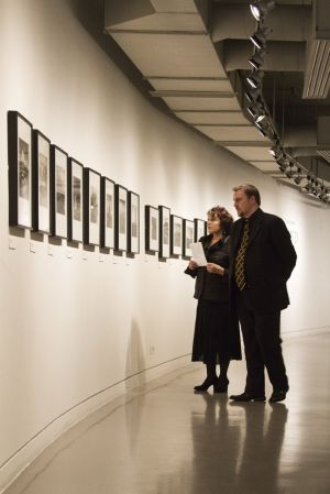 Film Festival Clare Bloom and Tony Earnshaw touring the galleries march 25 2011 image 4 sm.jpg
