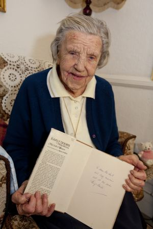betty smith 101 years old richard burton dec 2012 2 sm.jpg