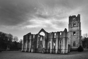 fountains abbey jan 2012 4 bw sm.jpg