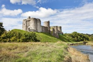 kidwelly castle 2 sm.jpg