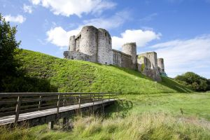kidwelly castle 3 sm.jpg