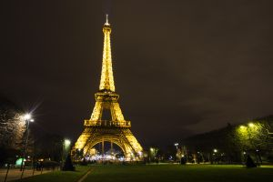 eiful tower 2 sm.jpg