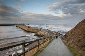 whitby waves 9.jpg