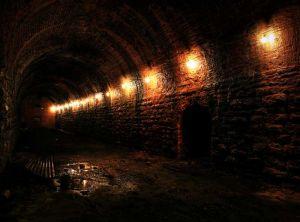 red_brick_tunnel_sm.jpg