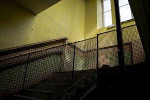 back_stairs_sm.jpg