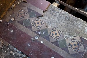 bowling_chapel_tiles_sm.jpg